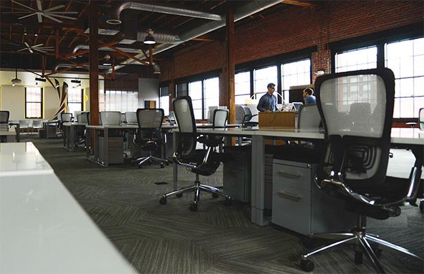 s-space-desk-workspace-coworking
