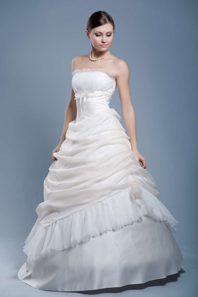 Wetcleanus non toxic environmentally safe wet cleaning for Where to dry clean wedding dress